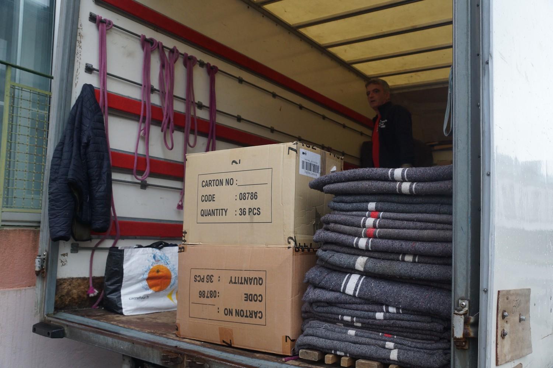 Déménagement à Brest avec protection des meubles par des couvertures et cartons